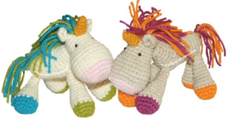 Unicornios tejidos a crochet