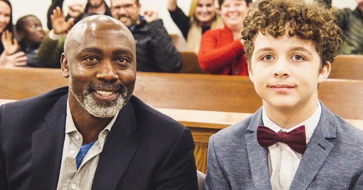 Peter Mutabazi adopta a chico de 13 años tras ser abandonado por segunda vez