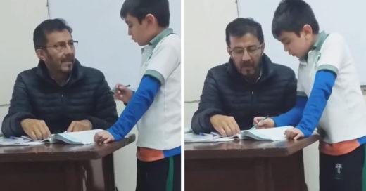 ¡Qué tierno! Profesor ayuda con su tarea a hijo de su alumna y es aplaudió en redes
