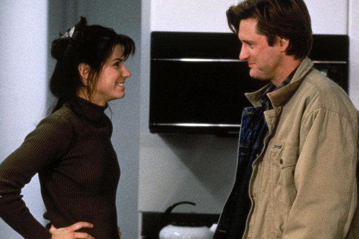 Escena de la película mientras dormias en la que participan Bill Pullman y Sandra Bullock