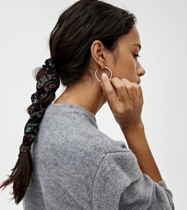 Coleteros con lazo son la nueva tendencia para el cabello
