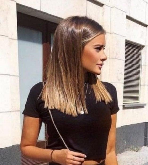 Chica de cabello a media melena lacio
