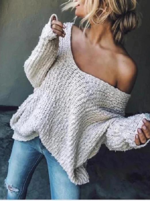 Outfit con cardigan de hombros caídos