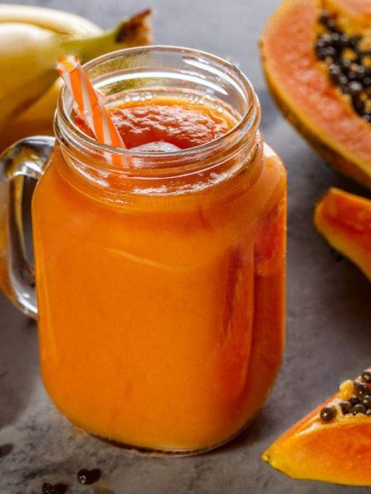 Juego de papaya con un toque de limón