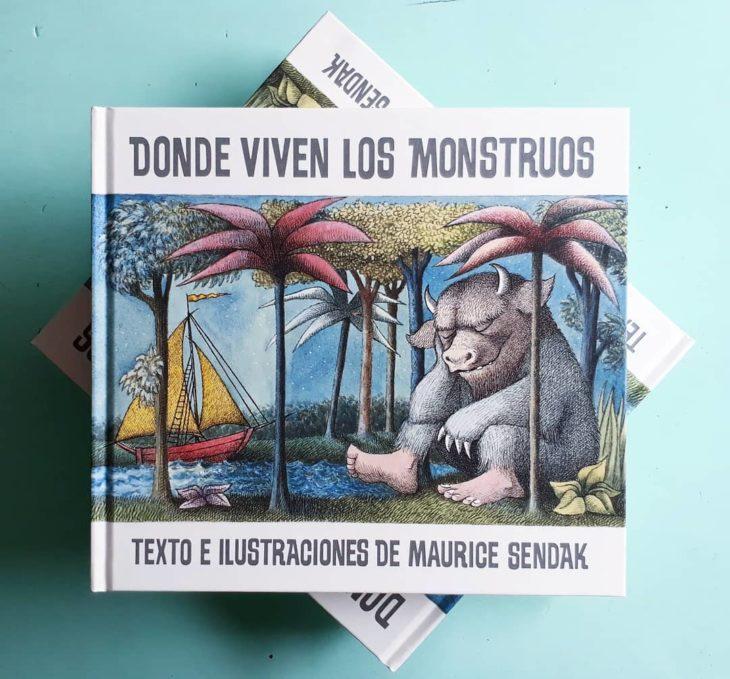 Portada del libro infantil Donde viven los monstruos