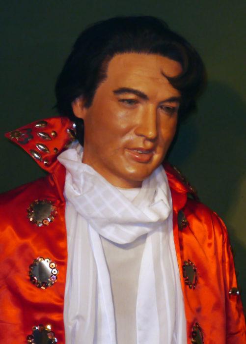 Elvis Preasley muñeco de cera