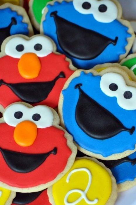 Galletas para festejar el día del niño de Elmo y el monstruo come galletas