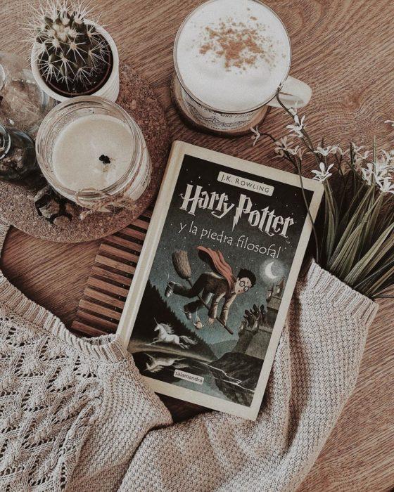 Portada del libro infantil Harry Potter y la piedra filosofal