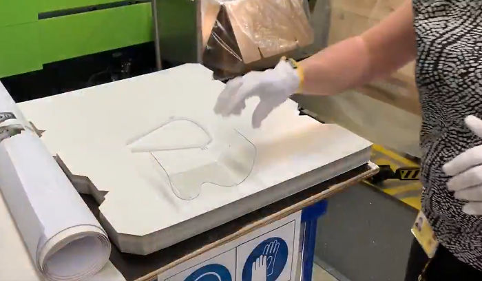 Molde para fabricar caretas de protección para personal de la salud