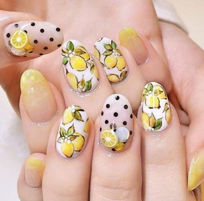 Diseño de manicure de limones