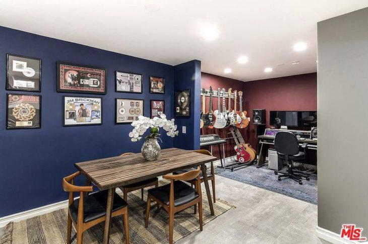 Sala de grabación de la mansión que compró Selena Gomez