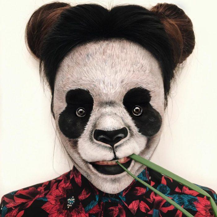 Maquillaje de ilusión óptica de panda