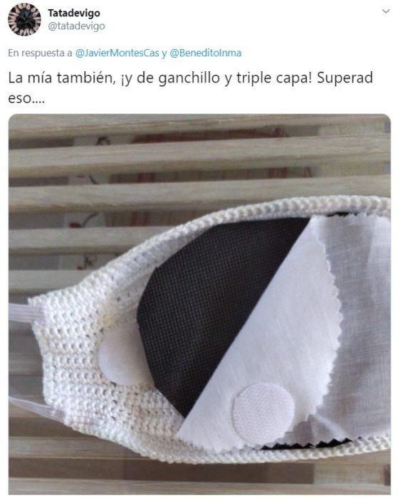 Mascarilla de crochet con triple capa