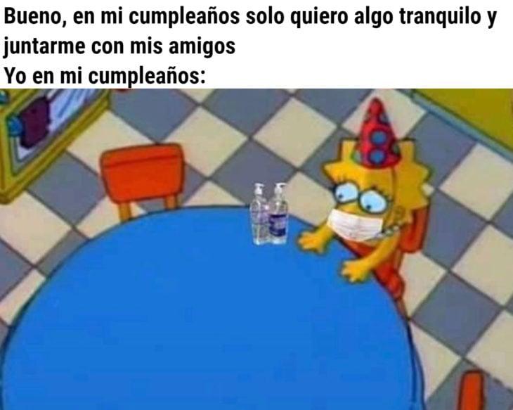 Memes de coronavirus para quienes cumplen años en cuarentena; Lisa Simpson sola en la mesa
