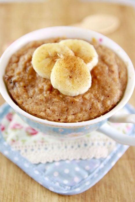 Mug cake de avena y plátano