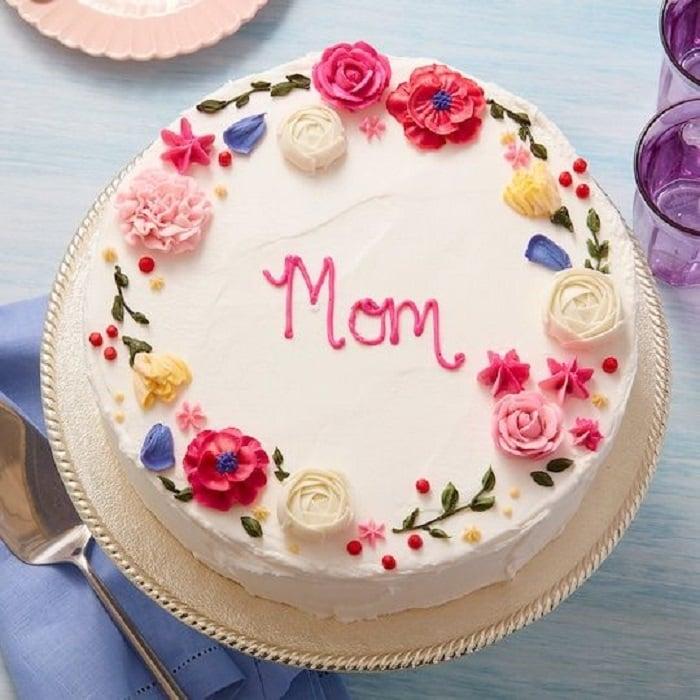 Pastel del día de las madres adornado para el día de la madre