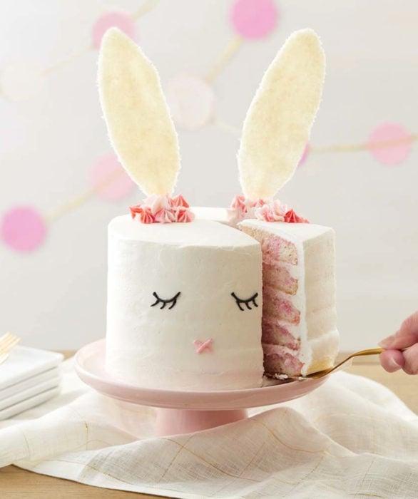 Pastel infantil de conejo para el Día del Niño