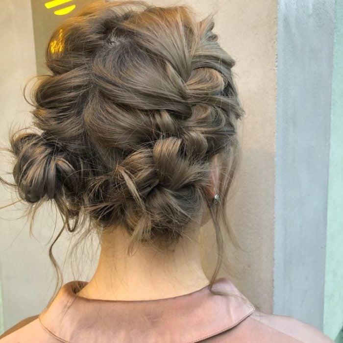 Peinado para cabello corto trenzas y moños