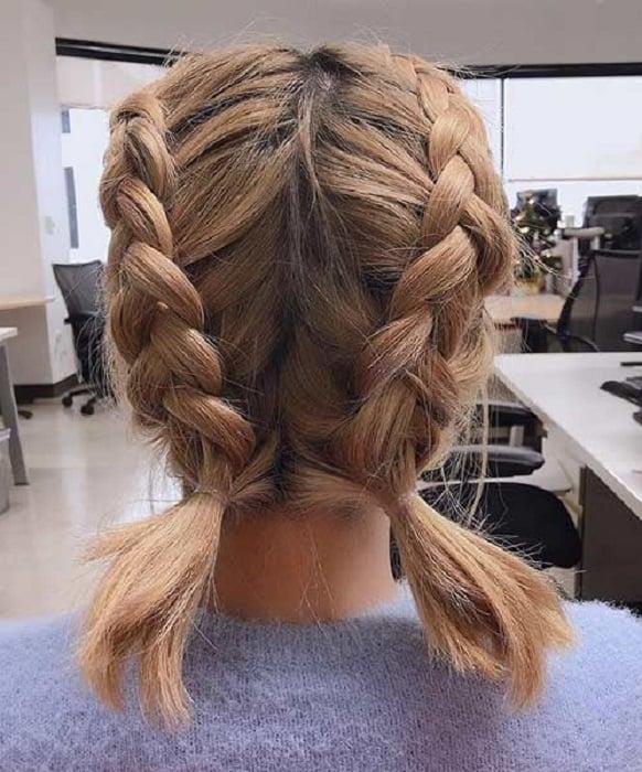 Peinado para cabello corto de dos trenzas