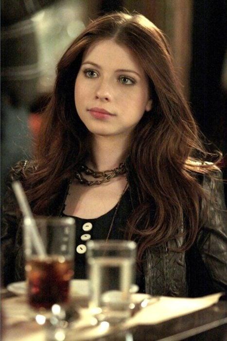 Georgina Sparks durante una escena de la serie Gossip Girl