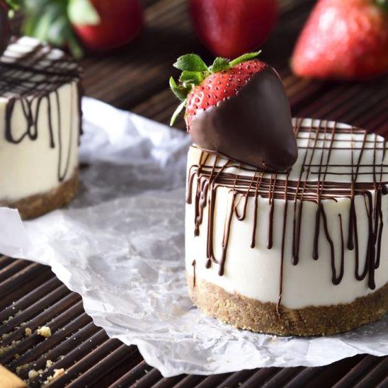 Minichesse cake de galleta cubierto de chocolate
