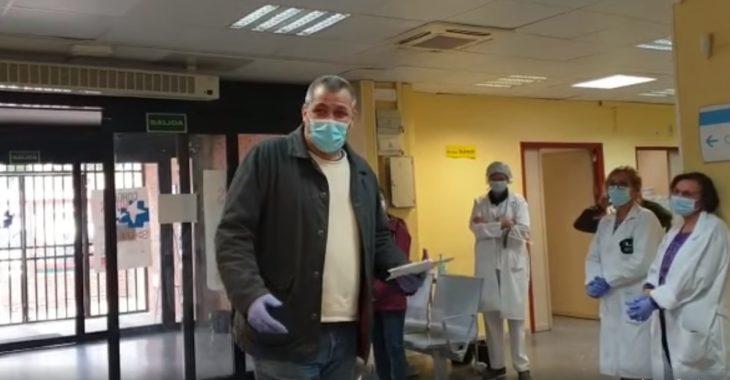 Taxista recibe recompensa por transportar a pacientes con COVID-19