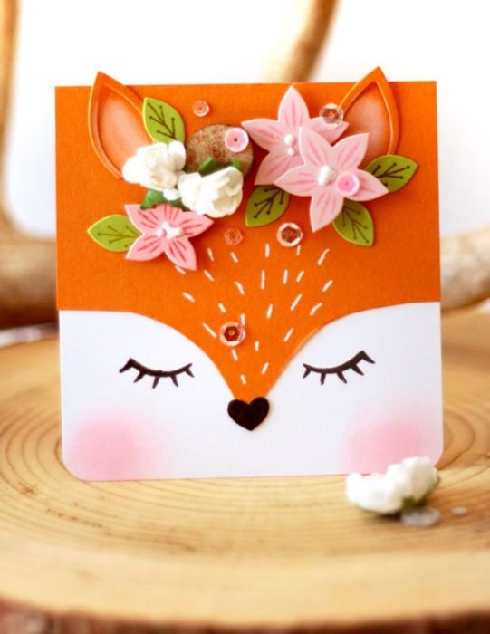 Tarjetas de felicitación infantiles para el Día del Niño; zorro con flores