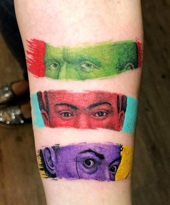 Tatuajes de Frida Kahlo, Vincent Van Gogh y Salvador Dalí
