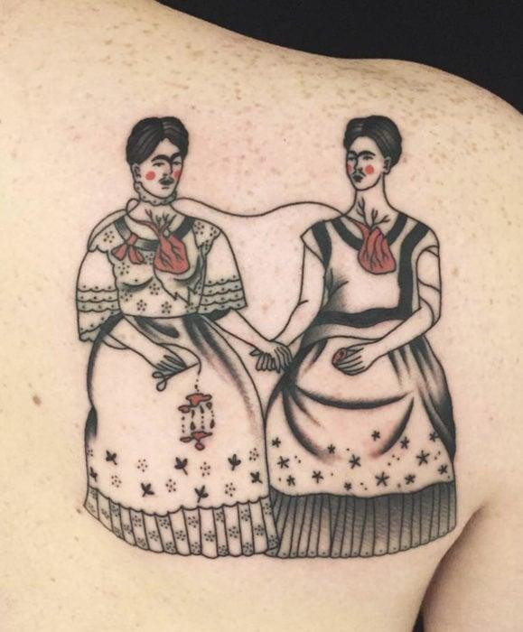 Tatuajes de Frida Kahlo, pintura de las gemelas