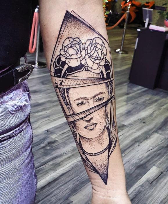 Tatuajes de Frida Kahlo en el brazo