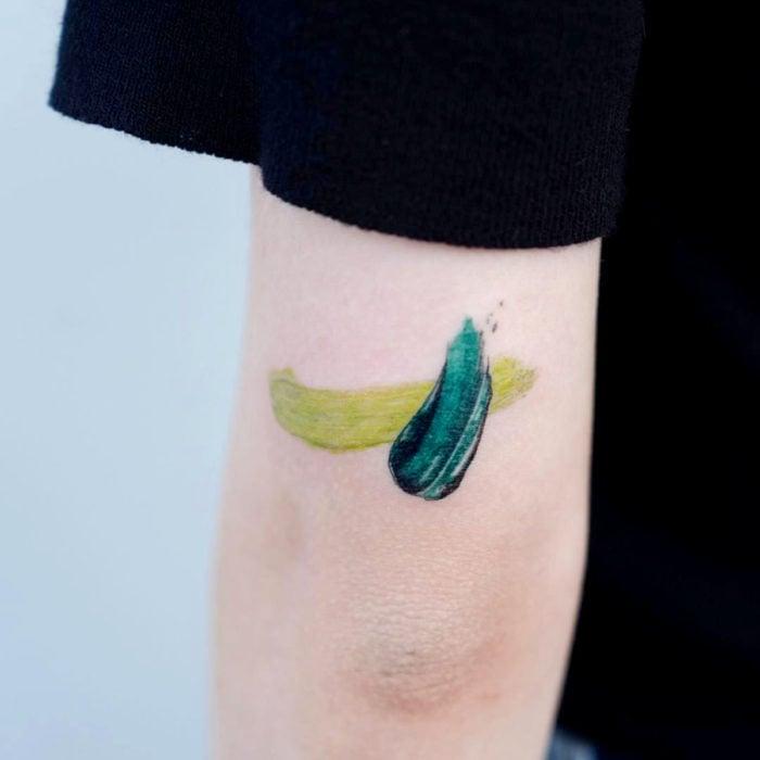 Tatuajes para regalarle a mamá el 10 de mayo; pintura al óleo