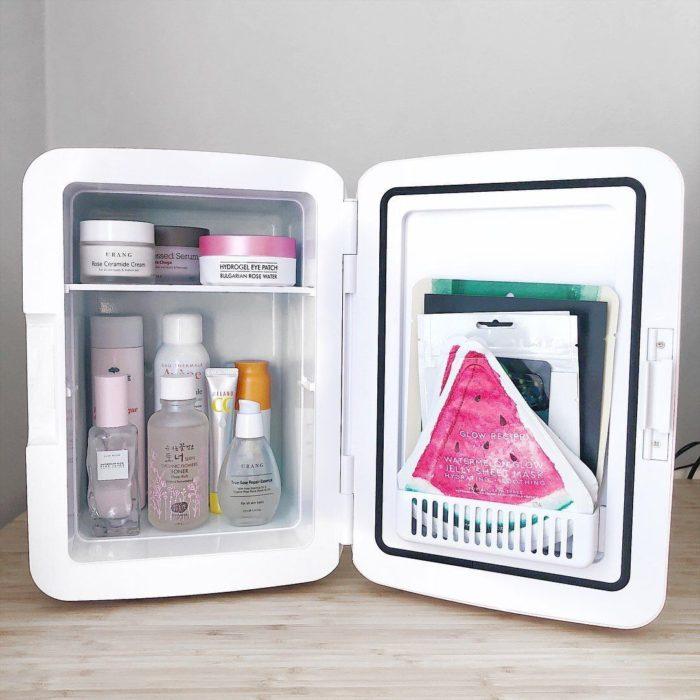 Refrigerador para mascarillas y cremas
