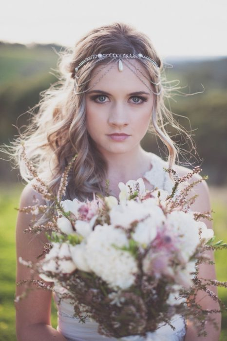 Chain-type bridal headdress