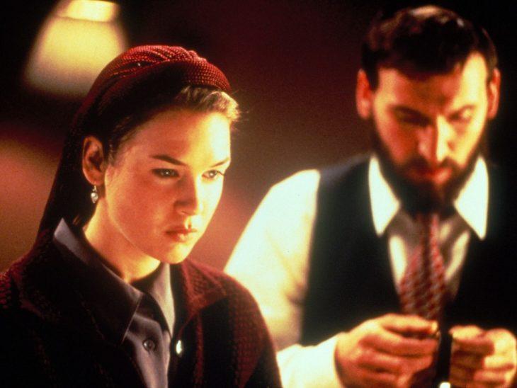 Renee Zellweber en la película A Price Above Rubies