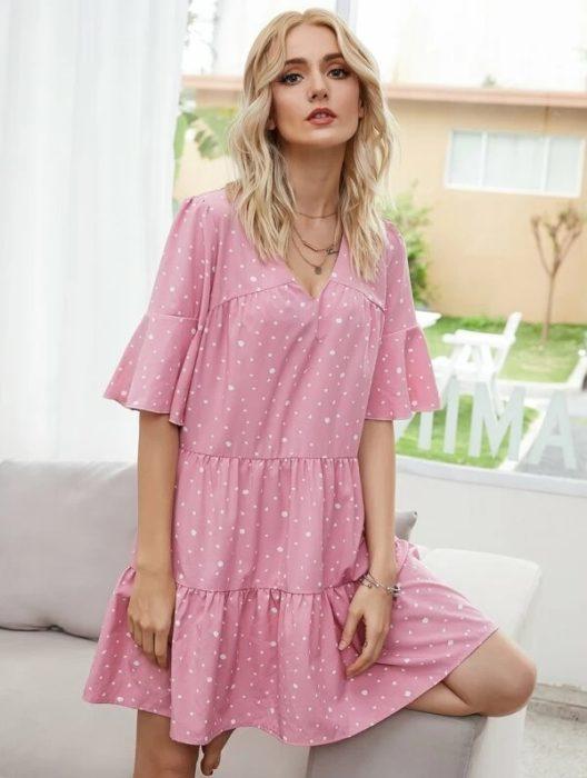 Vestido rosa bebé de holanes