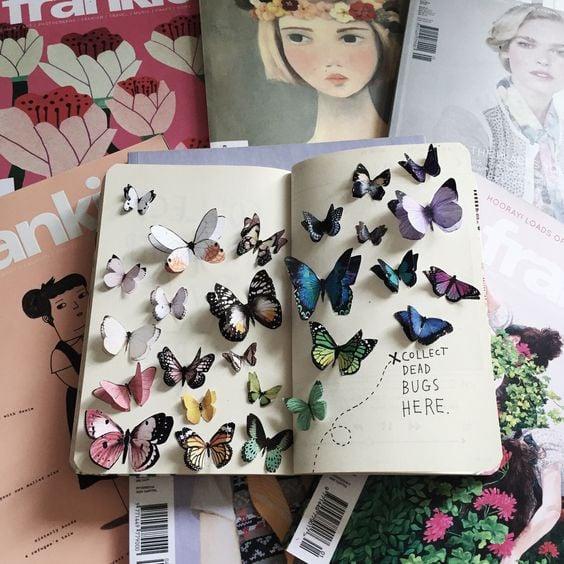 Libreta decorada con recortes de mariposas en 3D