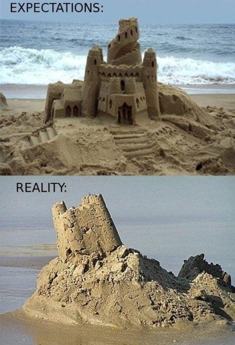 Expectativa VS realidad de hacer castillos de arena en la playa