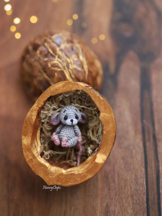 ratón minuatura de crochet