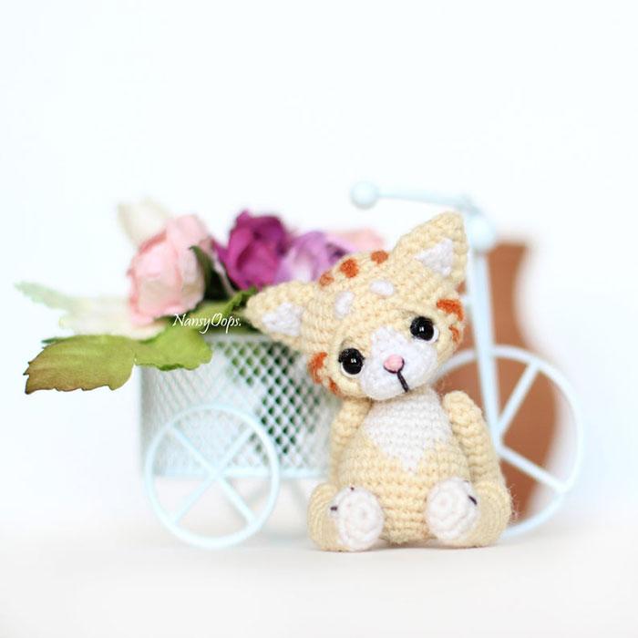 Gatito hecho de crochet