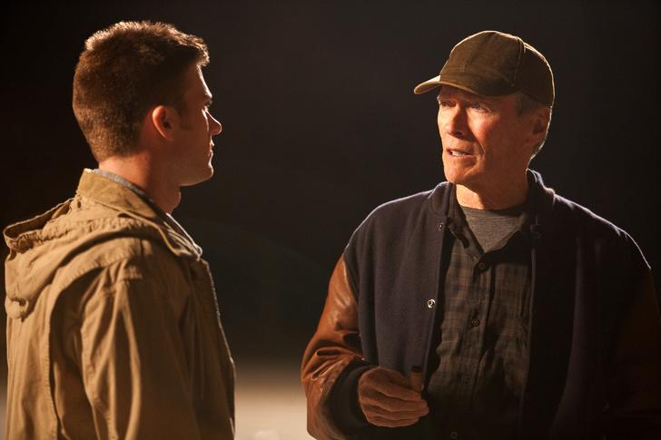 Clint y Scott Eastwood en la película El gran Torino