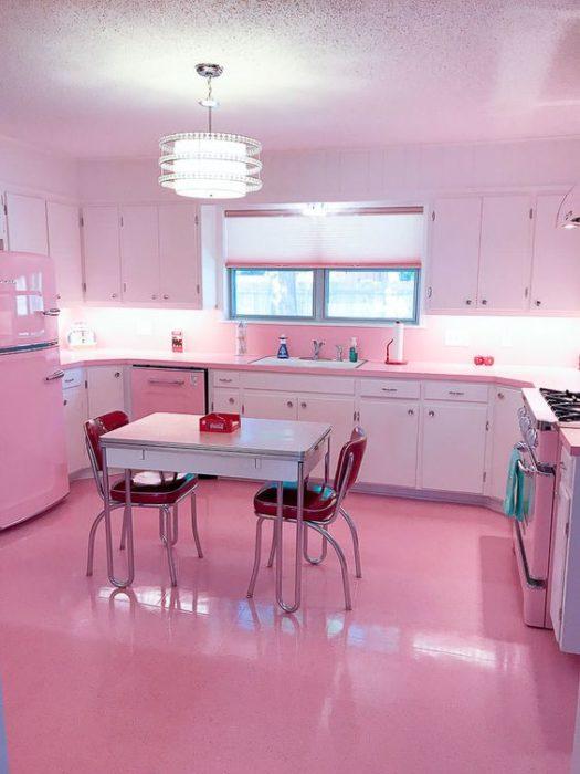 Cocina color rosa
