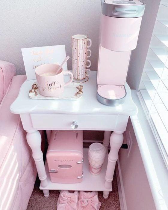 Mesita de café colo rosa