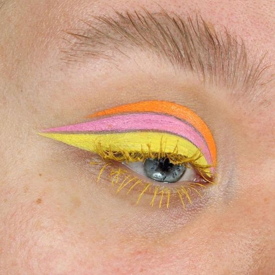 Tricolor outlined in yellow, pink and orange