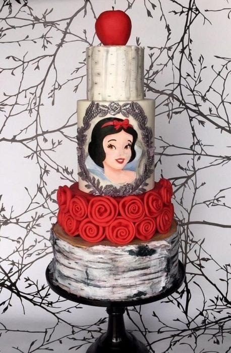 Pastel decorado, inspirado en Blancanieves