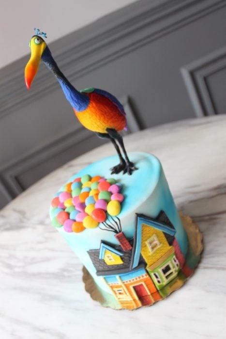 Pastel decorado, inspirado en la película de UP
