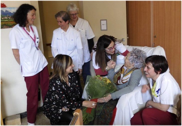 María con su familia en su último cumpleaños