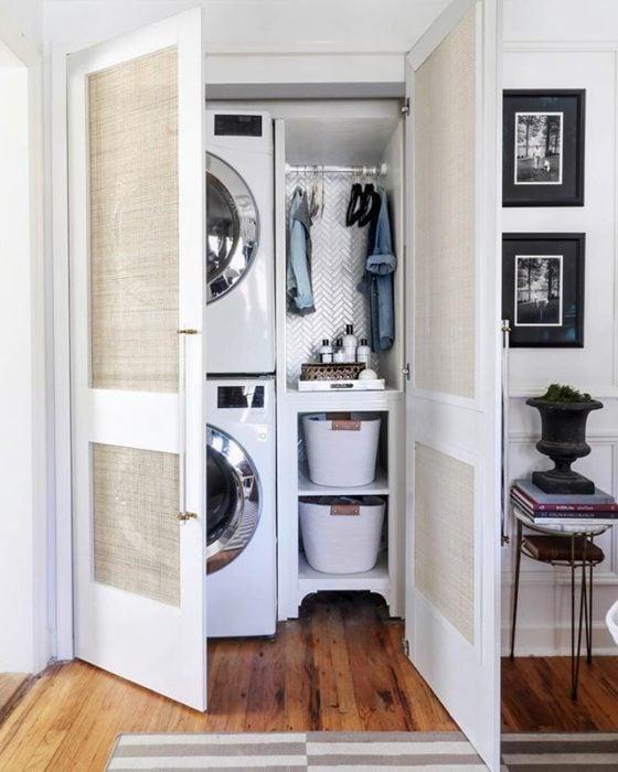 Cuarto de lavandería en espacio pequeño