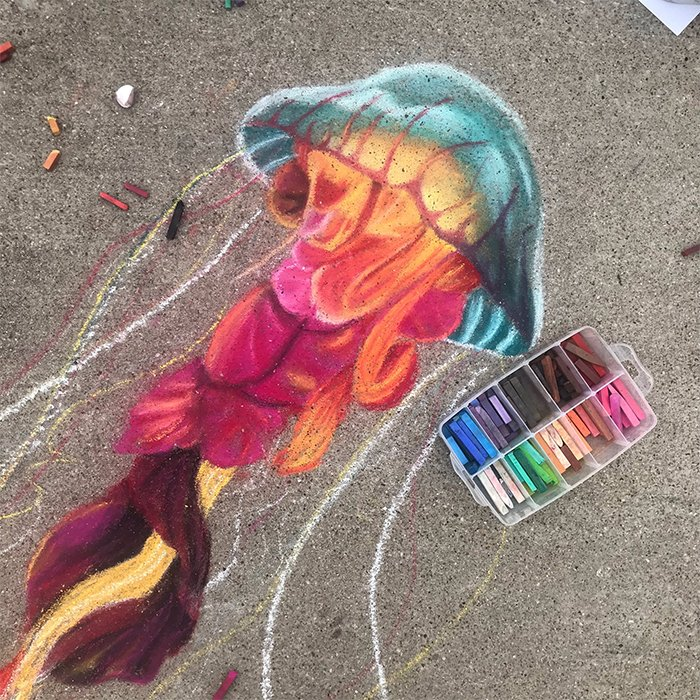 Medusa dibujada con tiza