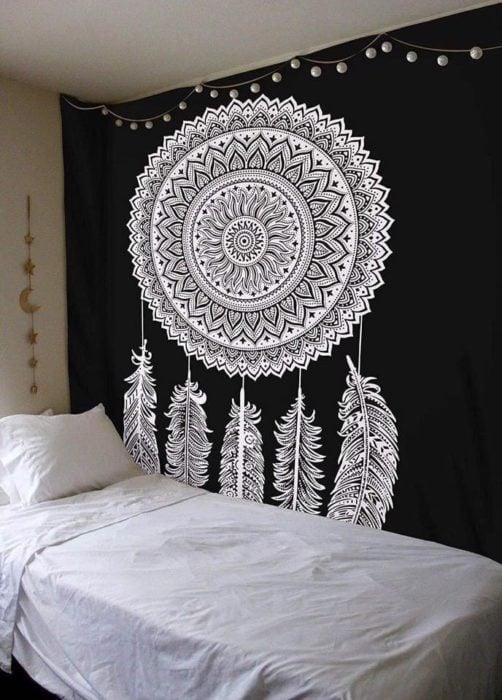 Mandala en pared de habitación