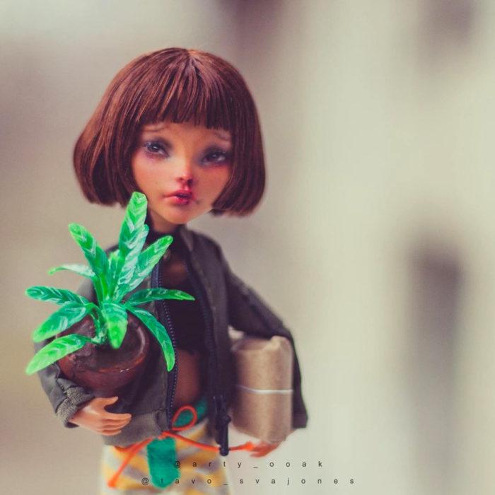 Artista rusa Arty Ooak Dolls tranforma muñecas Monster High en personajes de caricaturas y películas; El profesional, Mathilda